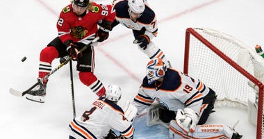 Blackhawks Advance After Eliminating Oilers