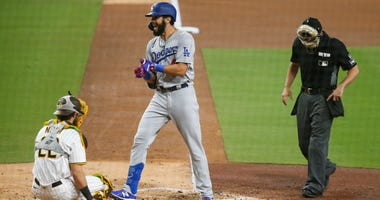 Gonsolin Cools Off Padres In Dodgers' 3-1 Win