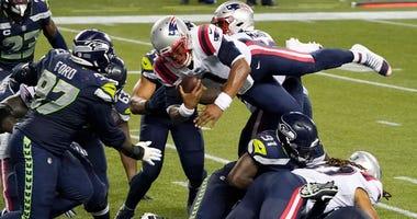 Seahawks stuff Newton on final play, beat Patriots 35-30