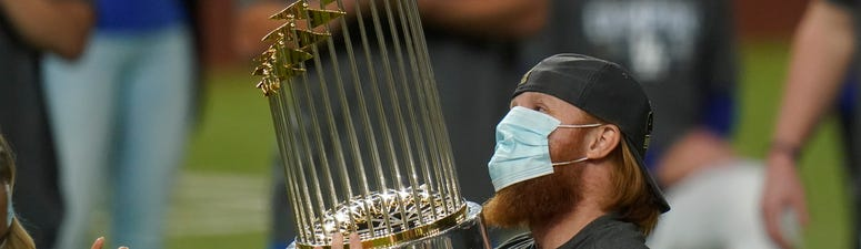 Column: Turner's selfish celebration mars Dodger triumph