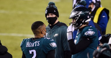 AP sources: Eagles won't be penalized for QB decisions