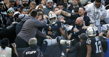 Jags Spoil Final Game In Oakland With 20-16 Win Over Raiders