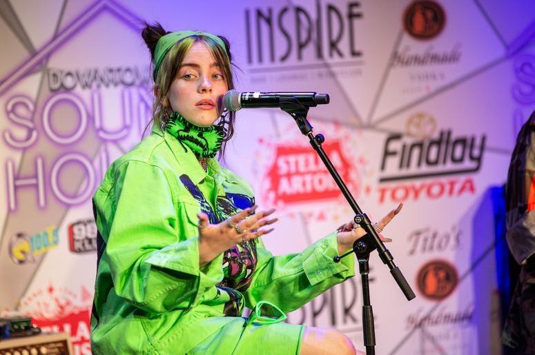 Billie Eilish On Stage11