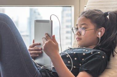 Kid Reading News