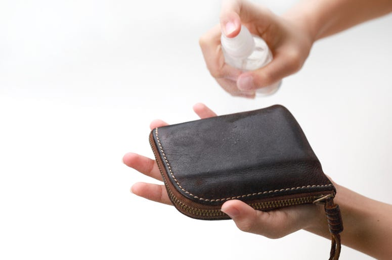 cleaning wallet