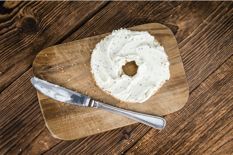 Philadelphia Cream Cheese Supports St Louis Bagel Slicing Y98