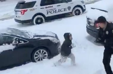 snowball-fight-waterloo