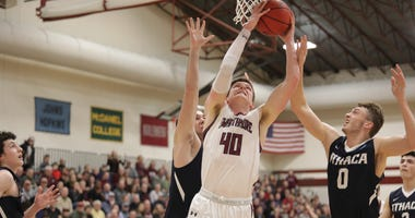 Swarthmore senior forward Nate Shafer had 14 points and 20 rebounds in the Garnet's second round win over Ithaca.