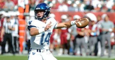 Villanova quarterback Zach Bednarczyk