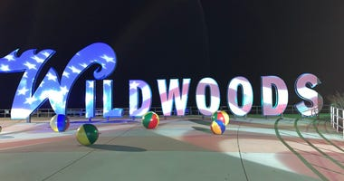 A Wildwood sign.