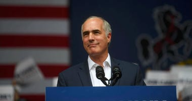 Senator Bob Casey (D- PA) addresses supporters.