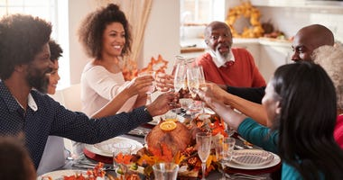 Family enjoys Thanksgiving dinner