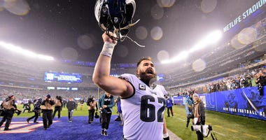 Jason Kelce #62 of the Philadelphia Eagles celebrates his teams win over the New York Giants.