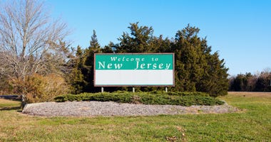 """""""Welcome to New Jersey"""" road sign"""