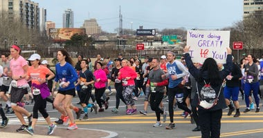 The streets of Philadelphia were jampacked with thousands of runners who laced up to help fight cancer Sunday morning.
