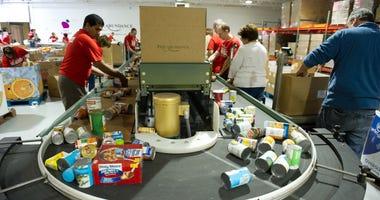 Philabundance volunteers