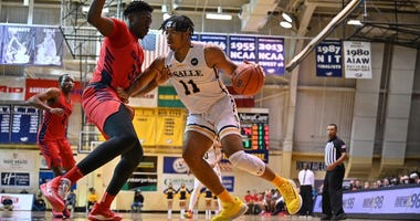 Forward Ed Croswell leads the La Salle Explorers in scoring (10.4 ppg) and rebounding 7.7 rpg).