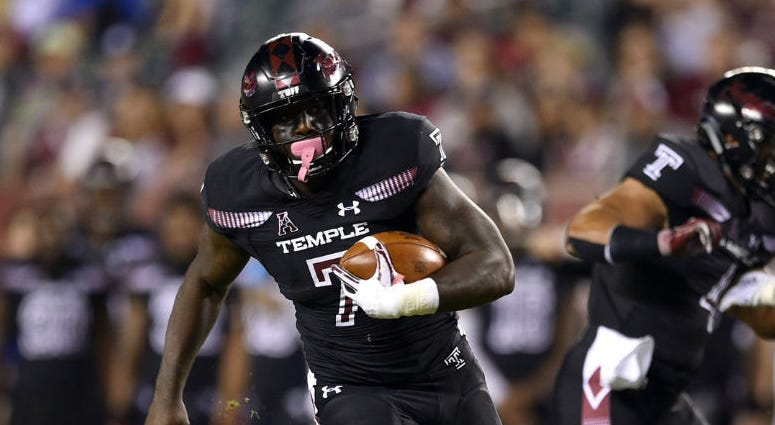 Temple Owls running back Ryquell Armstead (7) runs the ball for a touchdown against the Tulsa Golden Hurricane during the second quarter at Lincoln Financial Field.