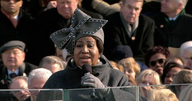Aretha Franklin sings at Obama's Inauguartion