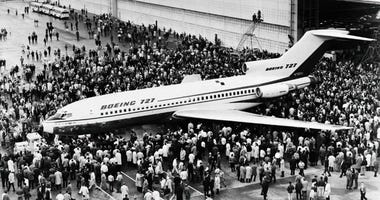 Air travelers will no longer be able to enjoy the Boeing 727's distinctive design after the jet made its last commercial passenger flight.