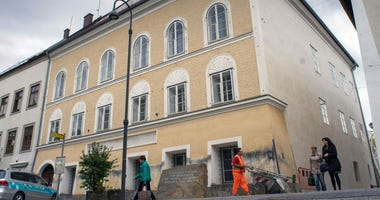 The house where Hitler was born will become police station.
