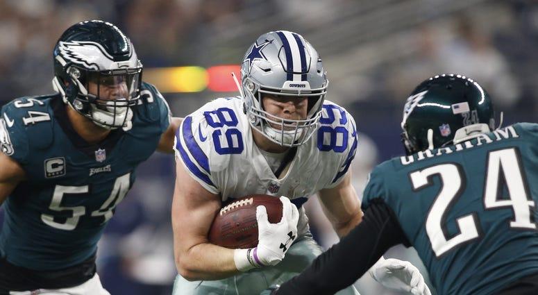 Dec 9, 2018: Dallas Cowboys tight end Blake Jarwin runs against Philadelphia Eagles free safety Corey Graham and outside linebacker Kamu Grugier-Hill in the third quarter at AT&T Stadium.