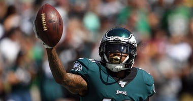 Philadelphia Eagles wide receiver DeSean Jackson (10) celebrates his touchdown catch in the second quarter against the Washington Redskins at Lincoln Financial Field.
