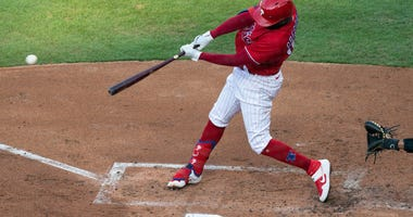 Philadelphia Phillies shortstop Didi Gregorius (18)