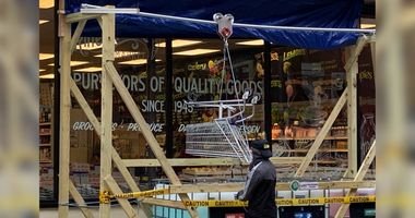 Rittenhouse Market cleans shopping carts