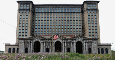 Ford to remake Detroit's most famous ruin