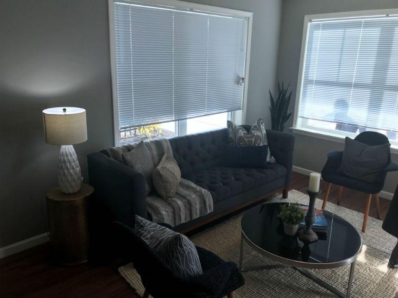 A room in a rental unit in Blumberg 83.