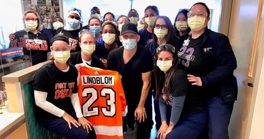 Flyers' Oskar Lindblom completes cancer treatments