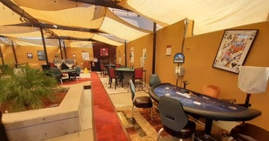 Casino moves card tables outdoors