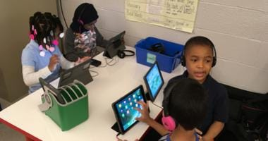 Philadelphia students using the wireless pod.
