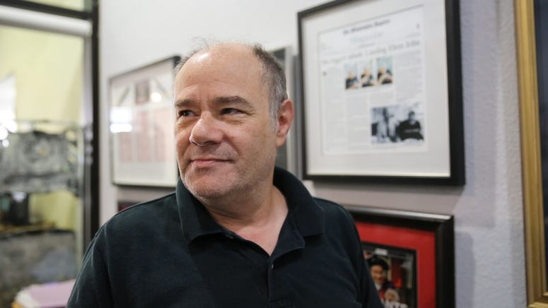 Mark Segal
