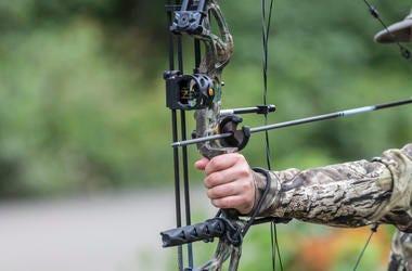 Hunting crossbow