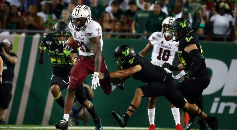 Temple Owls running back Jager Gardner (21) runs with the ball against the South Florida Bulls during the second quarter at Raymond James Stadium.