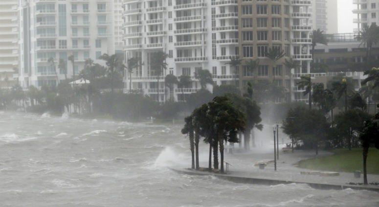 Hurricane Irma hits Miami