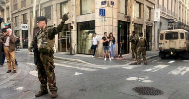 "Soldiers of French anti terrorist plan ""Vigipirate Mission"""