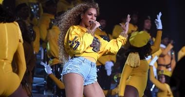Beyoncé (finally) posted an Instagram Story on Monday night -- and chose to make her debut all about her fans, and their choreography to her new single.