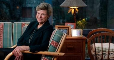 Veteran journalist Cokie Roberts, winner of three Emmys and a legend and trailblazer in broadcasting, has died at the age of 75, ABC News announced.