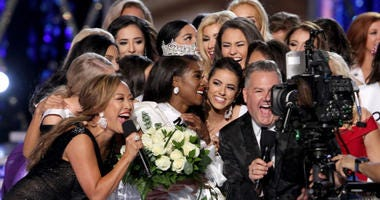 Sept 9, 2018; Atlantic City, NJ, USA; Miss America 2019 Nia Imani Franklin is mobbed from after she was crowned at Boardwalk Hall.