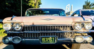 Pink Cadillacs to line Detroit's streets in honor of Aretha Franklin