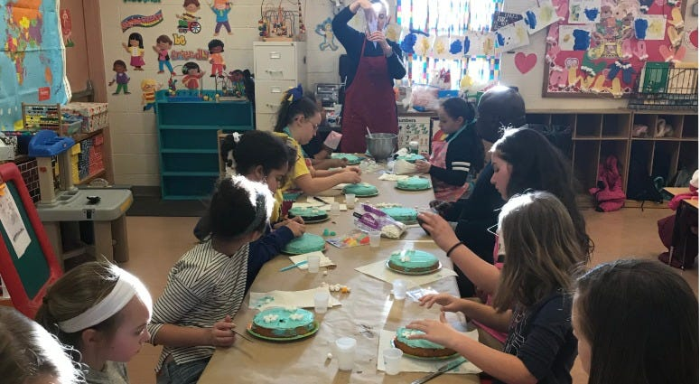 Kathleen Tunney leads a free cake decorating class at the Picariello Recreation Center in Northeast Philadelphia.