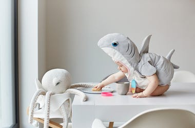 Baby shark week on Nick jr