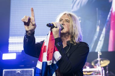 Joe Elliot of Def Leppard on stage in 2018