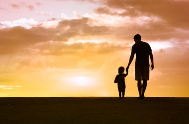 5 WAYS TO CELEBRATE FATHERS DAY WITHOUT DAD