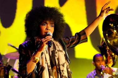 2010 A Funny Thing Happened On The Way To Cure Parkinson's - Show NEW YORK - NOVEMBER 13: (EXCLUSIVE ACCESS - PREMIUM RATES APPLY) Singer Lauryn Hill performs during the Michael J. Fox Foundation's 2010 Benefit 'A Funny Thing Happened on the Way to Cure P