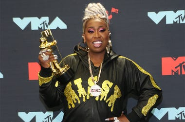 NEWARK, NEW JERSEY - AUGUST 26: Missy Elliott poses with the Michael Jackson Video Vanguard Award in the Press Room during the 2019 MTV Video Music Awards at Prudential Center on August 26, 2019 in Newark, New Jersey. (Photo by Manny Carabel/Getty Images)
