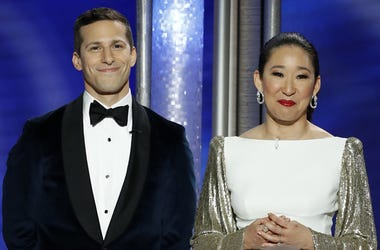 Jan 6, 2019; Beverly Hills, CA, USA; Andy Samberg and Sandra Oh during the 76th Golden Globe Awards at the Beverly Hilton. Mandatory Credit: Paul Drinkwater/NBC via USA TODAY NETWORK